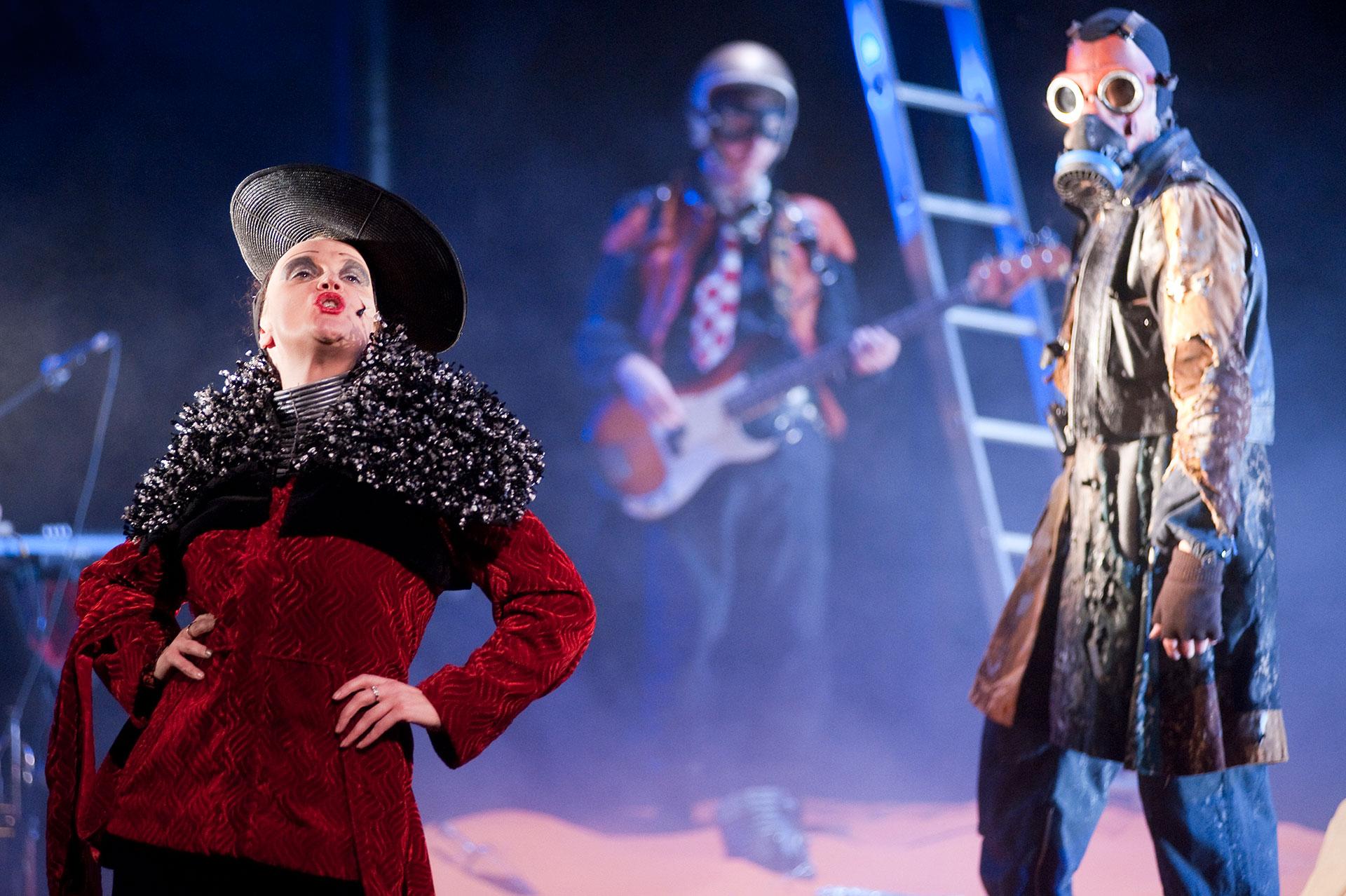 The beggars opera- Vanishing point